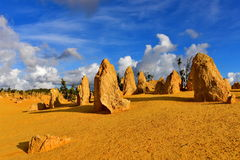 石峰点心著名为它的石灰石岩层 库存图片