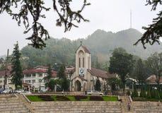 石教会雨天在Sapa,越南 图库摄影