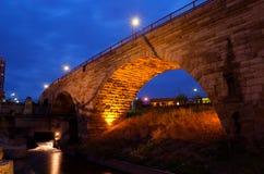 石曲拱桥梁 免版税图库摄影