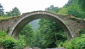 石曲拱桥梁 免版税库存图片