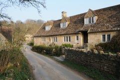石村庄和一个运输路线在农村英国 免版税库存照片