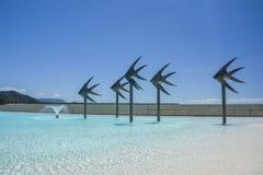 石标的游泳盐水湖,昆士兰,澳大利亚 免版税库存图片