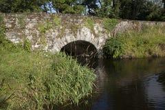 石桥梁在基拉尼国家公园,凯里郡 库存照片