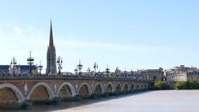 石桥梁在红葡萄酒,法国 股票录像