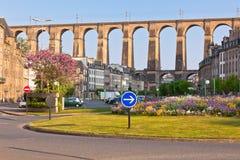 石桥梁在Morlaix城镇,布里坦尼 免版税库存照片