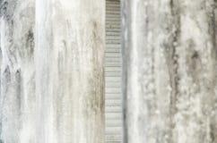 石梯子和石柱子 库存图片