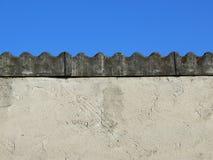 石棉盖子屋顶 免版税库存照片