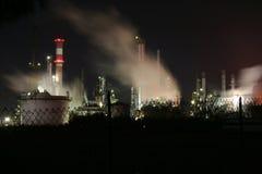石油化学的精炼厂 免版税图库摄影