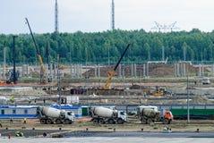 石油化工厂的建筑 Tobolsk 免版税库存照片