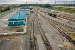 石油化工厂的Denisovka火车站 库存照片