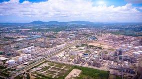 石油工业企业燃料贮存工厂区域o鸟瞰图  免版税图库摄影