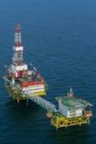石油生产 在波罗的海架子的石油平台 图库摄影