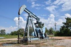 石油的油泵抽油装置能量工业机器 库存照片