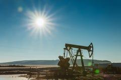 石油的油泵船具能量工业机器 库存图片