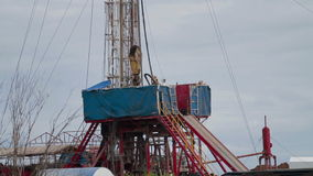 石油钻井船具A垂直平底锅 影视素材