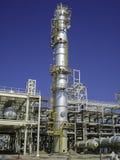 石油&天然气加工厂建筑 免版税库存图片