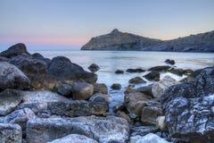 石海湾在晚上 库存照片