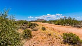 石渣路在亚利桑那沙漠 库存图片