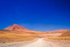 石渣Altiplano路在玻利维亚 免版税库存照片