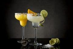 石灰和橙色玛格丽塔酒 免版税库存照片