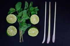 石灰和薄菏在白垩厨房的 免版税库存图片