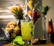 石灰和Passionfruit水果鸡尾酒 库存照片