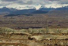 石灰岩地区常见的地形地形在西藏 免版税库存照片