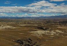 石灰岩地区常见的地形地形在西藏 免版税库存图片