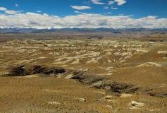 石灰岩地区常见的地形地形在西藏 库存照片