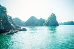 石灰石哈隆海湾风景 免版税图库摄影