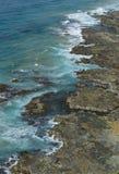 石灰石在大洋路,南维多利亚的岩石平台 免版税库存照片