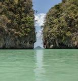 石灰石岩石在泰国 库存照片