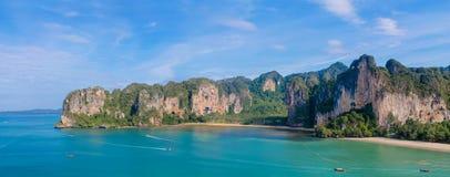 石灰石Krabi Ao Nang和发埃发埃的,泰国峭壁海岛 免版税图库摄影