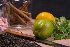 石灰, lemone,薄菏,茶,桂香 免版税库存图片