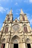 石狮神圣的心脏大教堂,在1863年建造在广州中国。 库存图片