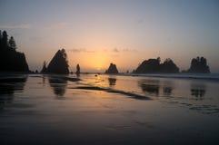 石矢海滩日落奥林匹克国家公园 免版税库存图片