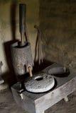 石磨石,手工处理五谷 库存图片