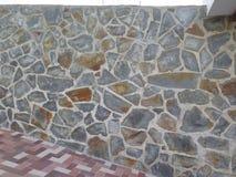 石穿的墙壁 免版税库存照片