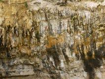 石笋和钟乳石在洞 免版税库存照片