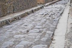 石街道在庞贝城 免版税库存图片