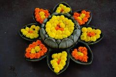 石装饰花圃以莲花形式 免版税库存照片
