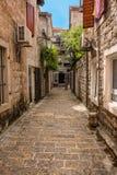 石走道在科托尔,黑山 库存照片