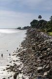 石防波堤在风暴日 免版税库存图片
