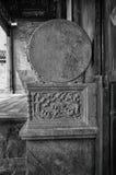 石雕刻圆柱基础 图库摄影