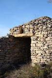 石风雨棚在比利牛斯,法国 免版税库存照片