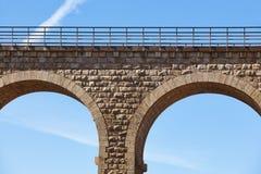 石高架桥细节在阿尔文托萨,特鲁埃尔省 西班牙 绿化方式 免版税库存照片