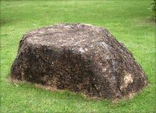 石头在庭院里 免版税库存照片