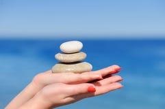 石头在手上 免版税图库摄影