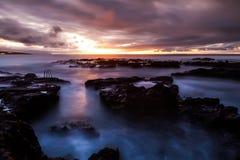 石头海滩风景 免版税库存照片
