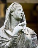石头的-石雕象夫人- 免版税图库摄影